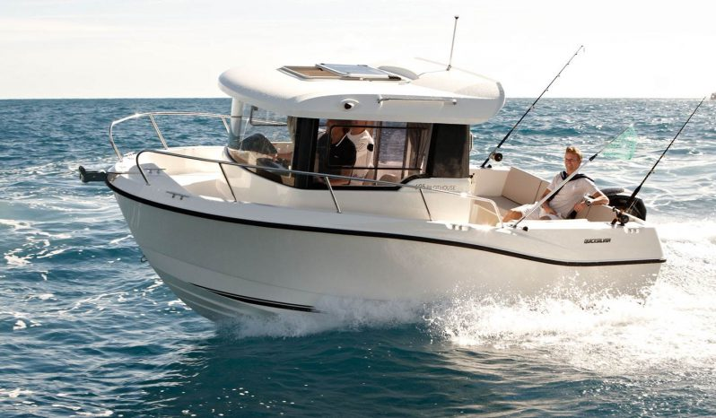 QUICK SILVER 605 PILOTHOUSE